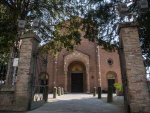 Pieve romanica (Basilica dei Santi Pietro e Paolo Apostoli)