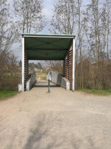 Ponte ciclopedonale di ferro sul Crostolo